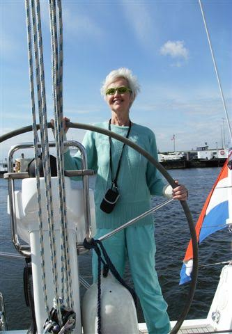 Liesbeth op de boot in Zeeland